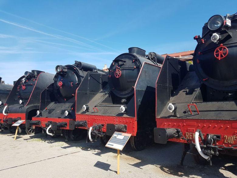 Museo del Ferrocarril en Vilanova I la Geltrú, se ubica en las instalaciones originales del depósito de locomotoras de vapor, junto a la estación de tren