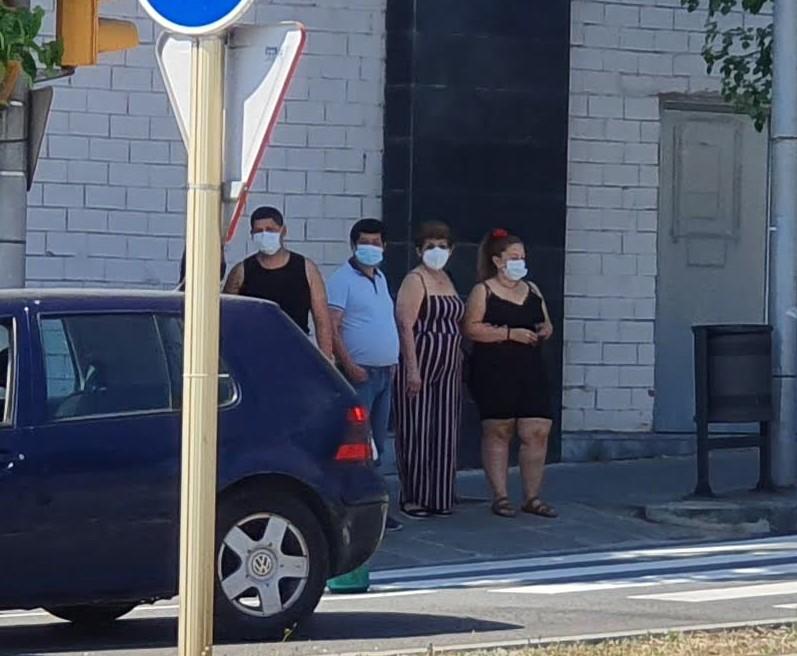 ronda Ibérica Vilanova, personas con mascarillas, julio 2020