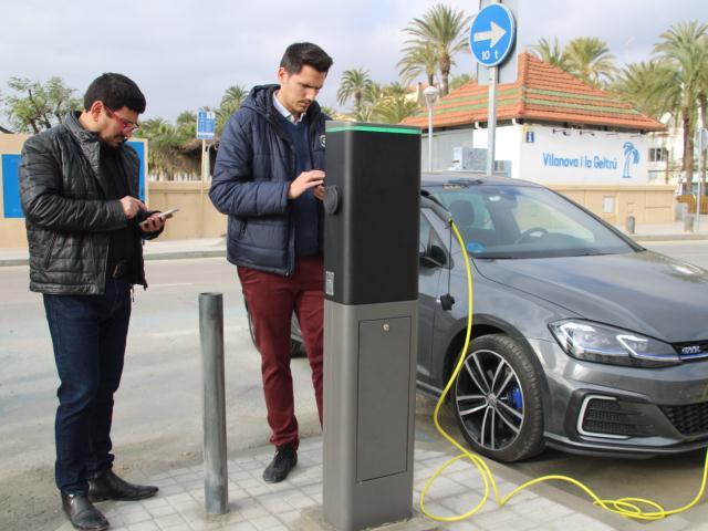 recargar vehículo eléctrico vilanova i la Geltrú