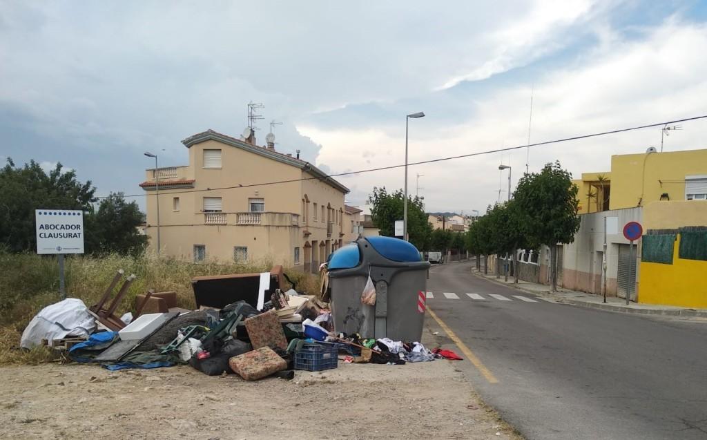 suciedad calles vilanova i la geltrú
