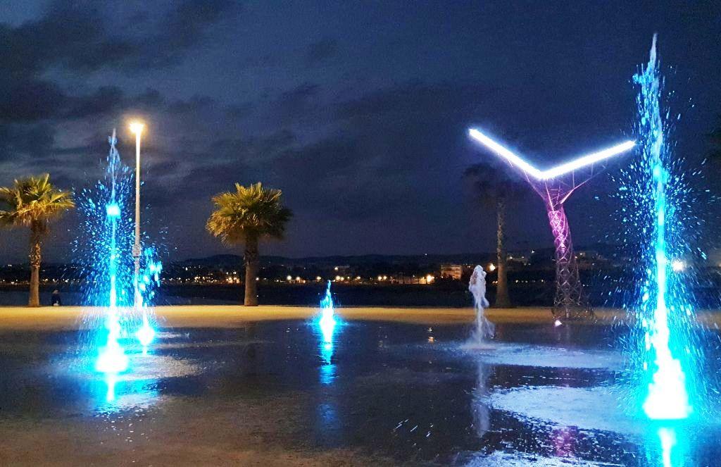 Nueva fuente mágica en Vilanova i la Geltrú, situada en el puerto, Ports de la Generalitat, Villanueva y Geltrú
