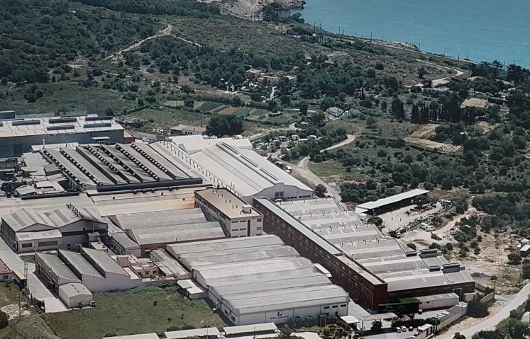 Vista aérea de Componentes Vilanova, grupo CIE, Vilanova i la Geltrú, inyección de aluminio, fabricación piezas vehículos, Villanueva Y Geltrú