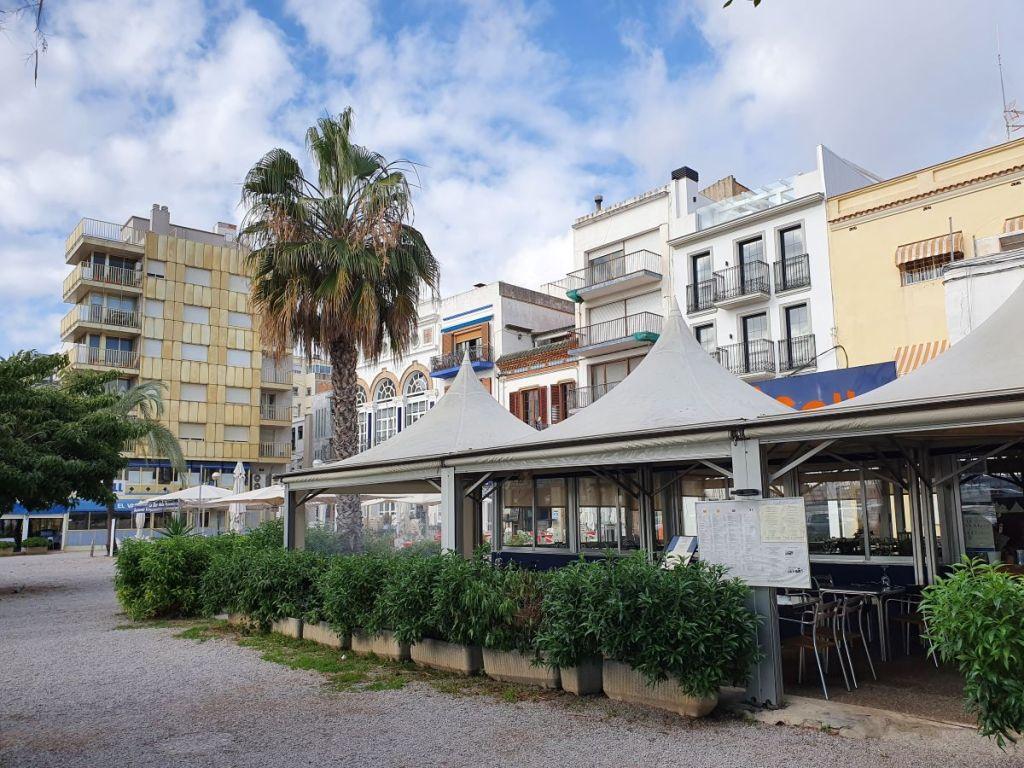 Restaurantes en Vilanova i la Geltrú, paseo marítimo, el sector atraviesa graves dificultades por la crisis del coronavirus, foto Villanueva y Geltrú