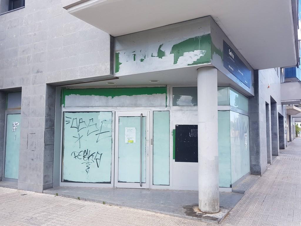 Oficina del Sabadell cerrada en la ronda Ibérica