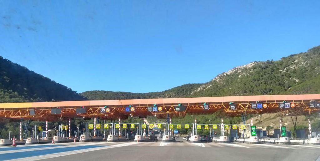 Massís del Garraf, peaje autopista en Vallcarca
