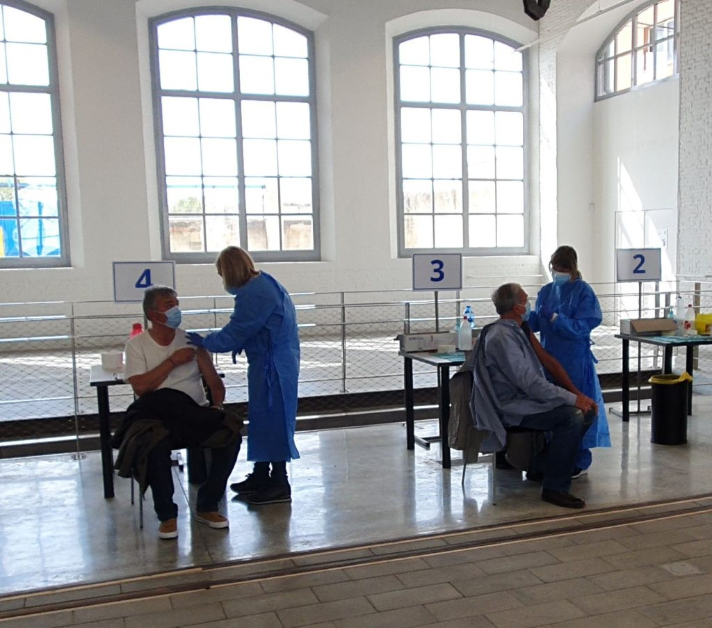 Vacunas Vilanova i la Geltrú, campaña vacunación COVID en el Museo del Ferrocarril, abril de 2021