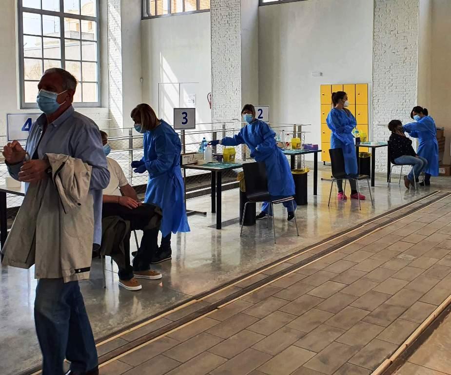 Vacunas coronavirus Vilanova i la Geltrú, Museo Ferrocarril, foto 1