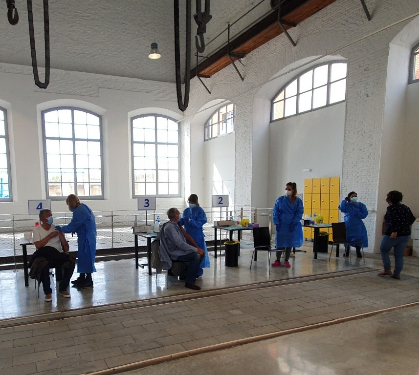 Administración de vacunas en el Museo del Ferrocarril, Vilanova i la Geltrú