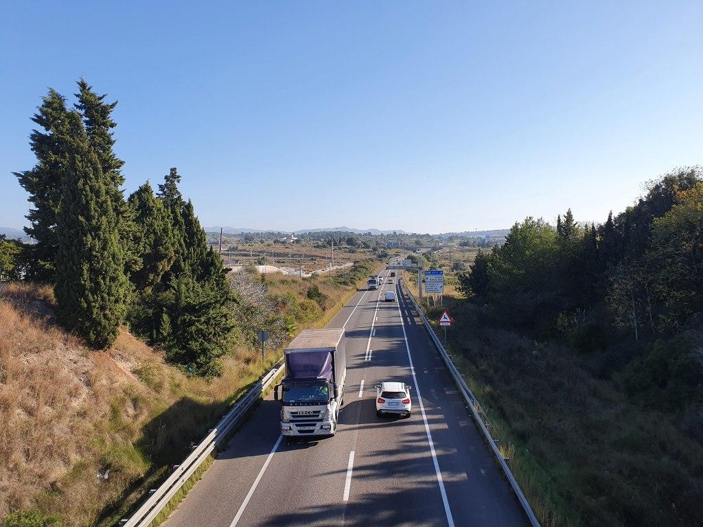 Carretera variante de Vilanova i la Geltrú, C-31, sirve como vía de circunvalación de Villanueva y Geltrú