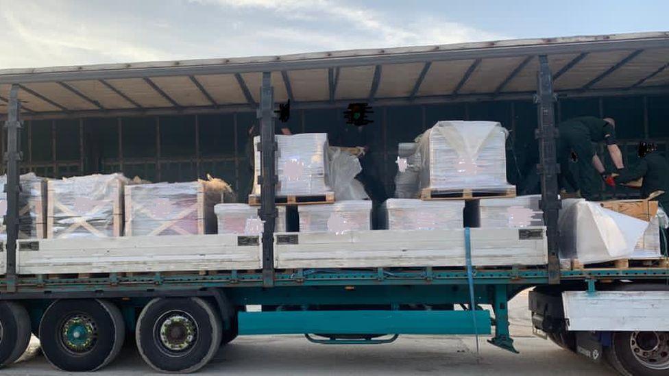 Tráfico de drogas, confiscación en Newry, Irlanda del Norte. Envío organizado desde Vilanova i la Geltrú.